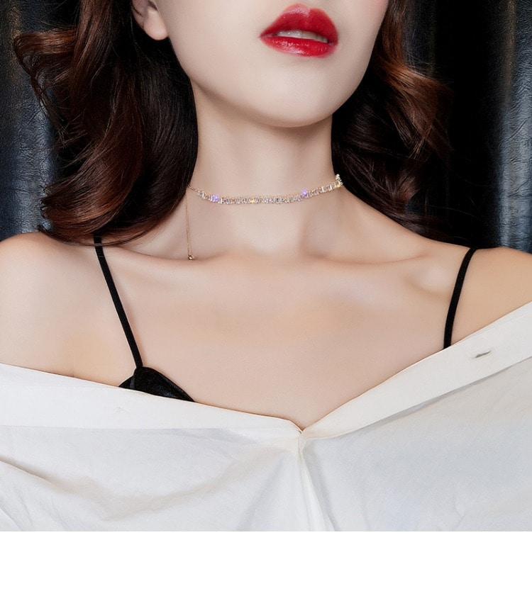 Temperament sparkling necklace